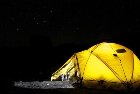 Uroki spania pod namiotem